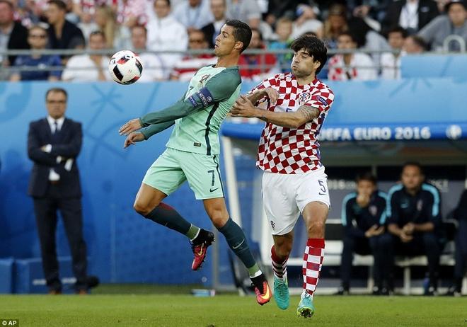 Ronaldo loe sang sau 117 phut vo nghia hinh anh 2