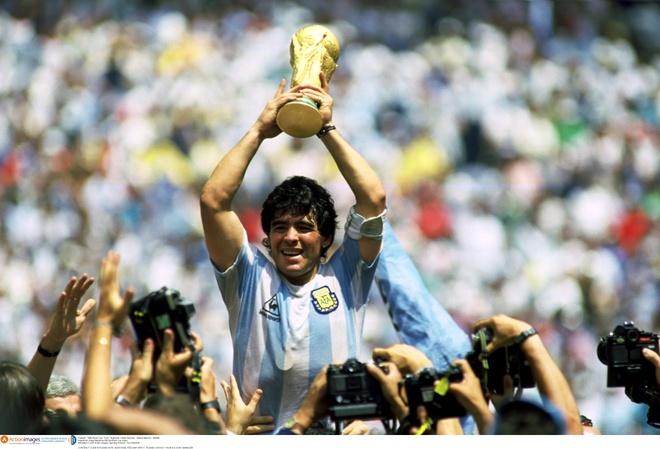Maradona va Messi: Thanh than va pham nhan hinh anh 1