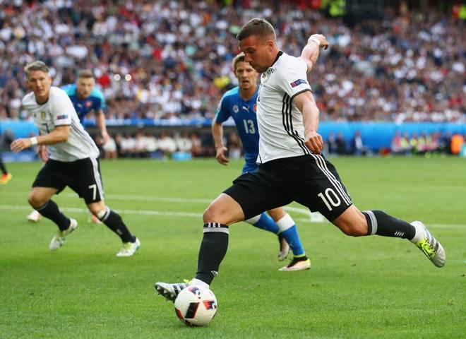 Podolski goi the thuc Euro 2016 la ngu xuan hinh anh 1