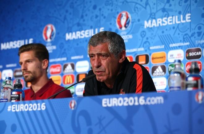 Mat san cua Euro 2016 la tham hoa hinh anh 1