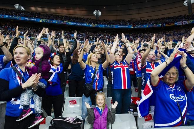 Co mot Iceland song mai o Stade de France hinh anh 2