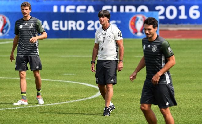 3-5-2 va ly do 'lam mua lam gio' tai Euro 2016 hinh anh 2