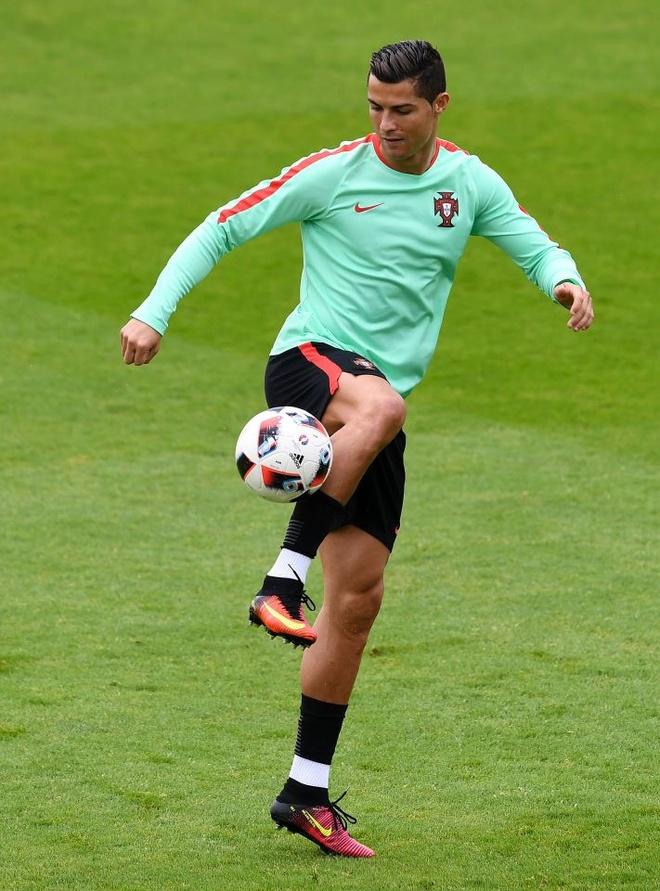 Cau chuyen WAGs: Ronaldo dang ghen ty voi Bale hinh anh 1