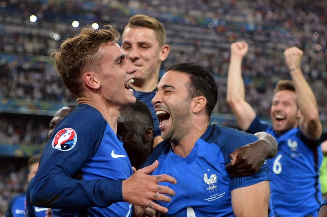 Griezmann can bang ky luc ghi ban cua Thierry Henry hinh anh 1