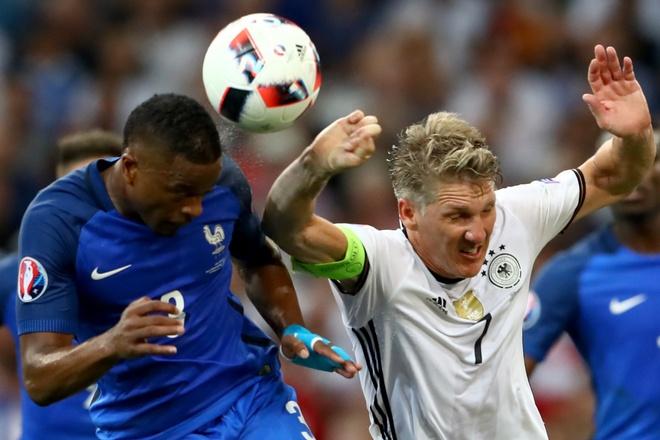Duc thua 1 giai, Schweinsteiger mat ca tuong lai hinh anh 1