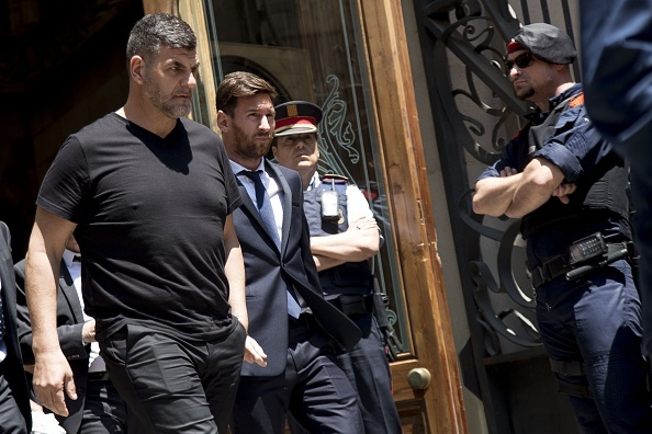 Messi roi Barca, La Liga dai loan hinh anh 2