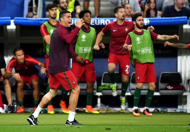 Ronaldo phai ngoi ngoai it nhat 1 thang hinh anh 1