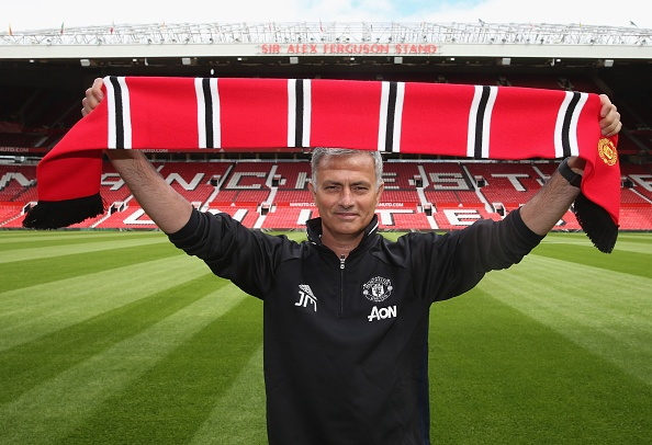 'Mourinho se tro thanh Alex Ferguson moi cua MU' hinh anh
