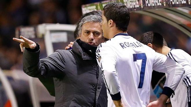 Doi y, Mourinho chon Messi gioi hon Ronaldo hinh anh 1
