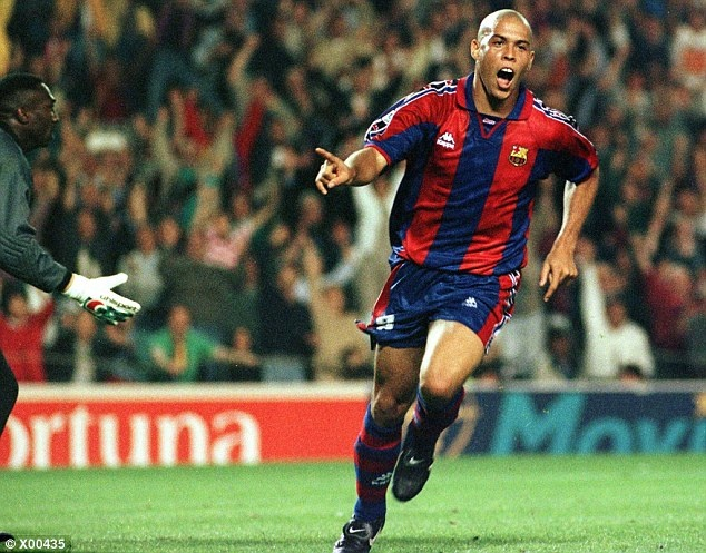 Tron 20 nam Barca chung kien Ronaldo huyen thoai ra doi hinh anh 13