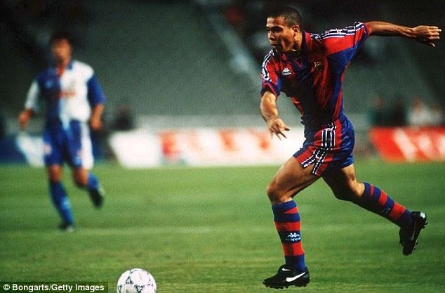 Tron 20 nam Barca chung kien Ronaldo huyen thoai ra doi hinh anh 2