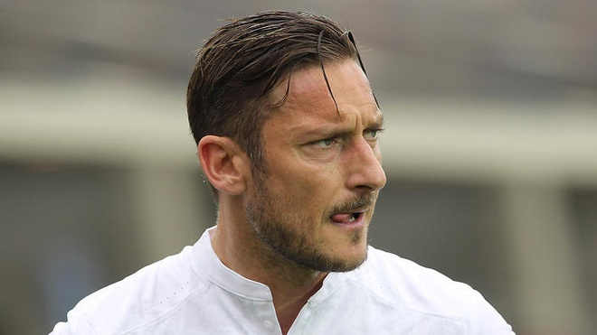 Totti: 'Cau thu ngay nay chi biet co tien' hinh anh