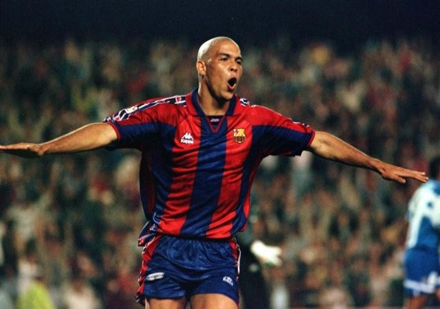 10 ban thang an tuong cua Ronaldo o Barca hinh anh