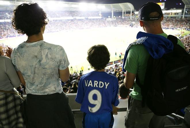 Nha vo dich Leicester bi PSG vui dap nang ne hinh anh 3