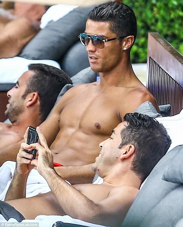 Can canh co the hoan hao va san chac cua Ronaldo hinh anh 9