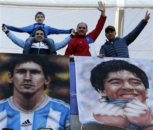'Messi gioi hon Pele va Maradona' hinh anh 1