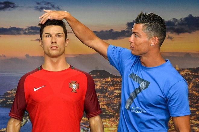 'Ronaldo la than tuong gia tao' hinh anh 2