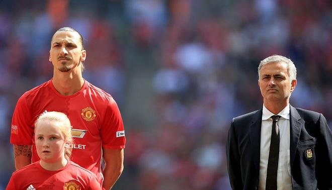 'Than chu Ibra' hien linh chi lam Mourinho noi dung hinh anh