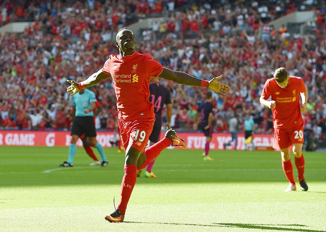 Liverpool vui dap Barca bang ty so kho tin hinh anh 10