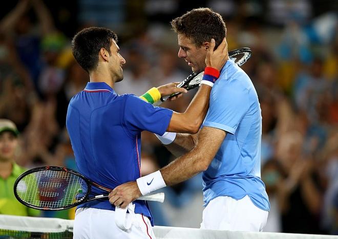 Djokovic khoc nuc no khi vo mong lay vang Olympic hinh anh 1