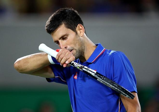 Djokovic khoc nuc no khi vo mong lay vang Olympic hinh anh 3