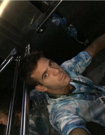Djokovic khoc nuc no khi vo mong lay vang Olympic hinh anh 4