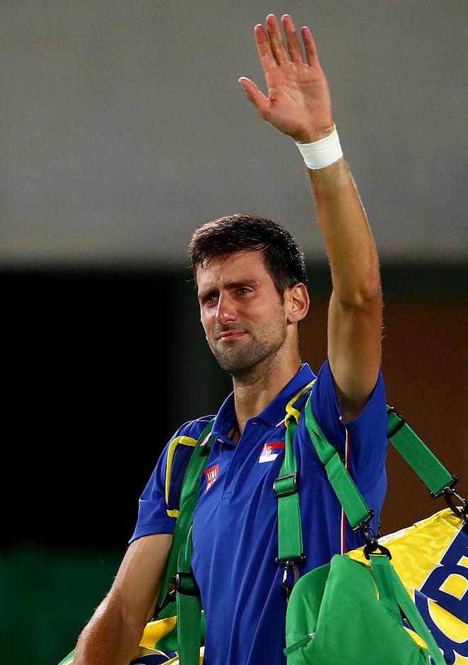 Djokovic khoc nuc no khi vo mong lay vang Olympic hinh anh 5