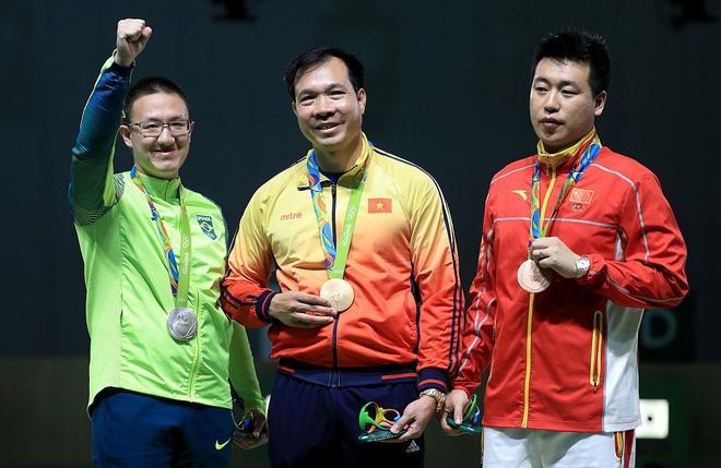 Hoang Xuan Vinh: 'Lam chu nghe thuat ban sung moi kho' hinh anh 3