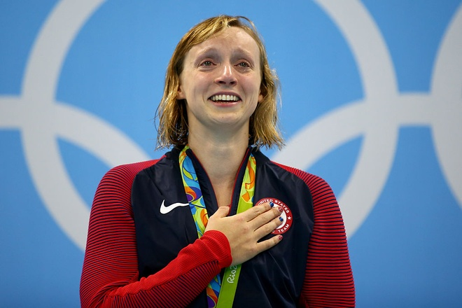 Than dong Katie Ledecky lan thu 2 pha ky luc the gioi hinh anh