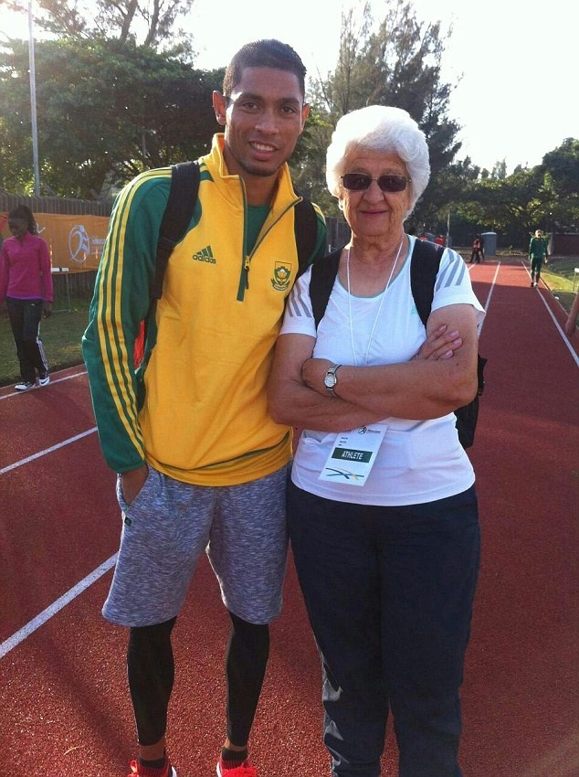 Wayde van Niekerk pha ky luc the gioi noi dung 400 m anh 2