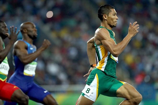 Wayde van Niekerk pha ky luc the gioi noi dung 400 m anh 1