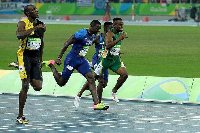 Usain Bolt gianh HCV 100 m anh 1
