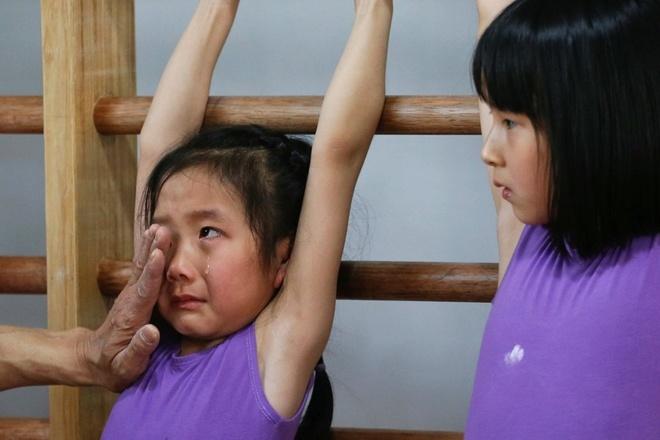 Su that den toi sau nhung tam HCV Olympic cua Trung Quoc hinh anh