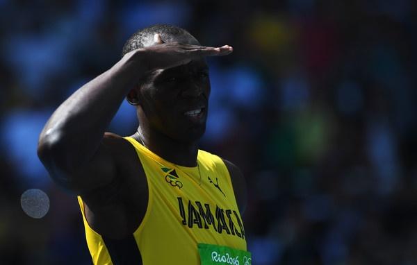 Nu cuoi Usain Bolt va chan gia tri tuong dai hinh anh