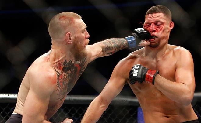 'Ga dien' McGregor lam bien dang guong mat Nate Diaz hinh anh