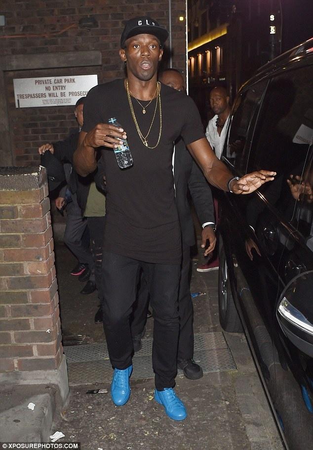 Sau Rio, Usain Bolt lai thac loan o London hinh anh 1