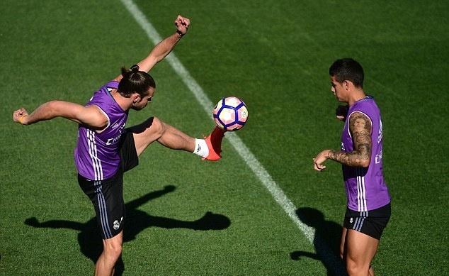 Bi an mieng dan tri thuong cho Ronaldo hinh anh 8