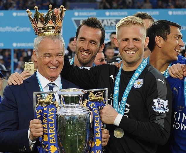 Ca chau Au dang chong lai Leicester hinh anh 2