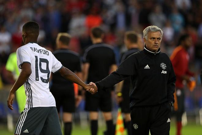 Mourinho dang lua doi Marcus Rashford? hinh anh