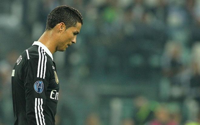 Tuoi tac dang khien Ronaldo rot gia? hinh anh