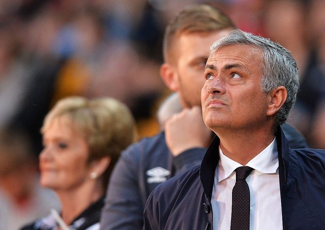 Mourinho da tai tao MU trong 100 ngay the nao? hinh anh