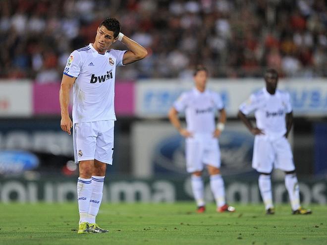 Thanh tich ngheo nan ve nhung tran dau tien cua Ronaldo hinh anh 4