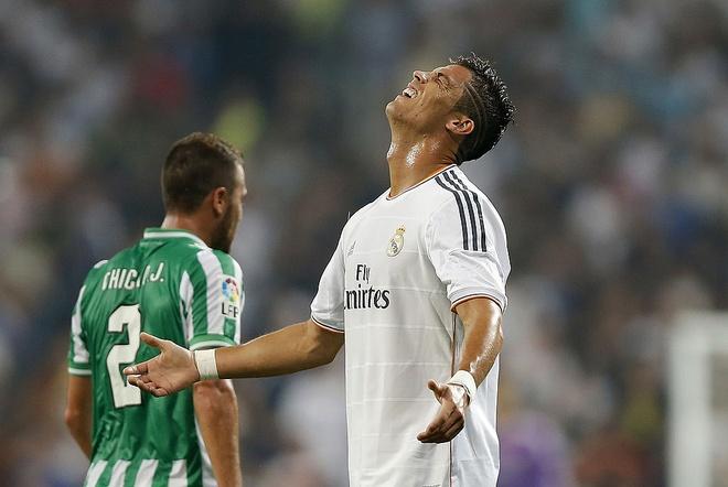 Thanh tich ngheo nan ve nhung tran dau tien cua Ronaldo hinh anh 7