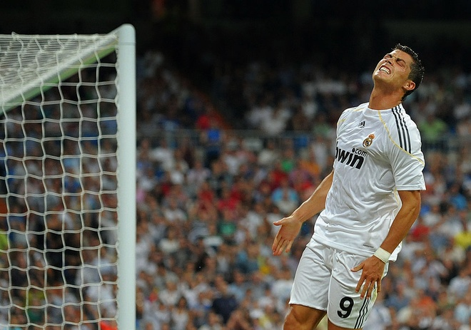 Thanh tich ngheo nan ve nhung tran dau tien cua Ronaldo hinh anh 2