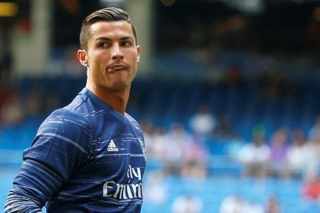 Chao chau Au, Ronaldo da tro lai hinh anh