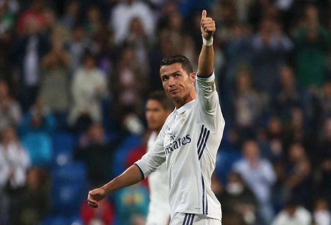 Ngay Ronaldo mang tin buon cho ca chau Au hinh anh