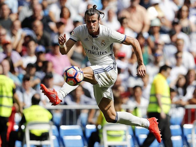 Gia tri Gareth Bale cao gap doi Messi? anh 1