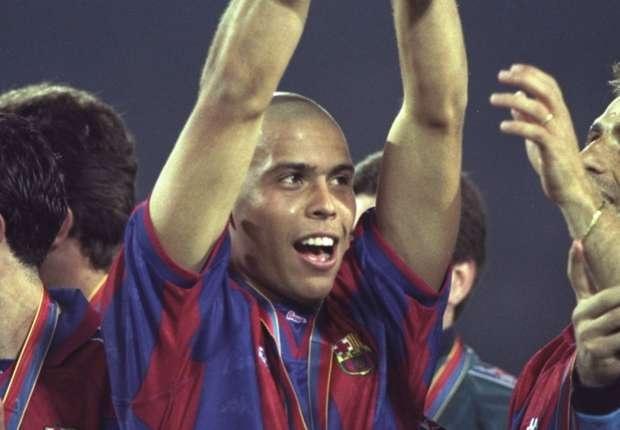 Ly ky diep vu dua 'Nguoi ngoai hanh tinh' Ronaldo toi Barca hinh anh