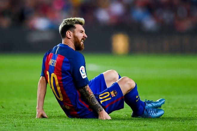 Khi doi chan Messi bi xau xe du doi hinh anh 1