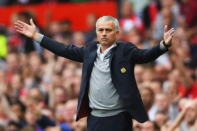 Sau 122 ngay, Mourinho moi thao chiec mat na hinh anh